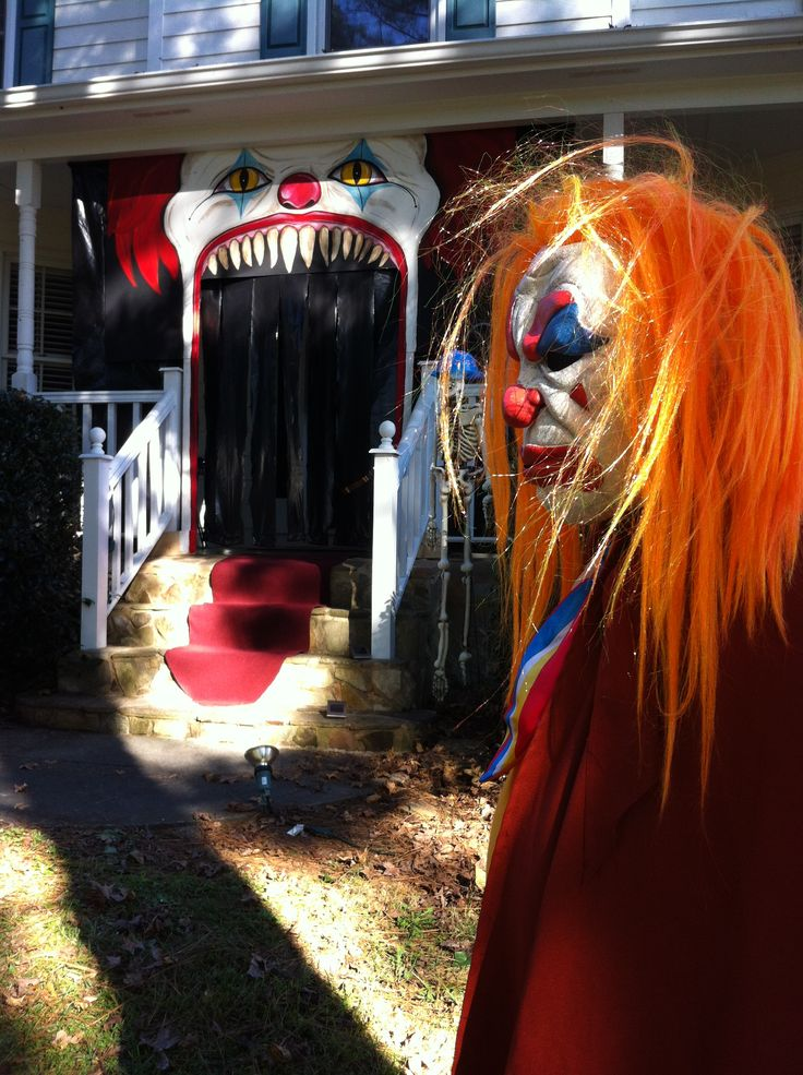 Bethany Scholten  Your future yard? ^_^ Evil Clown Circus - circus halloween decorations