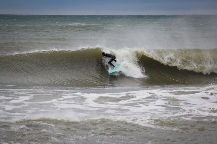 Finding the pocket on Solana Surfboards Retro Single Fin Model.