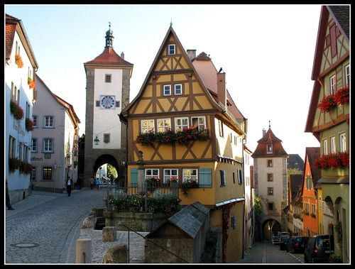 gigimelo:    aivlis:    fuckyeahprettyplaces: Rothenburg ob der Tauber, Germany.