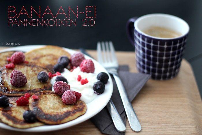 Recept: Banaan Ei Pannenkoekjes 2.0 (omdraaibaar!) 2 middelgrote bananen, gepeld: 200 gram 3 eieren 40 ml plantaardig melk (ik heb amandelmelk gebruikt) 45 gram roggebloem (kan elk soort meel/bloem zijn in principe)