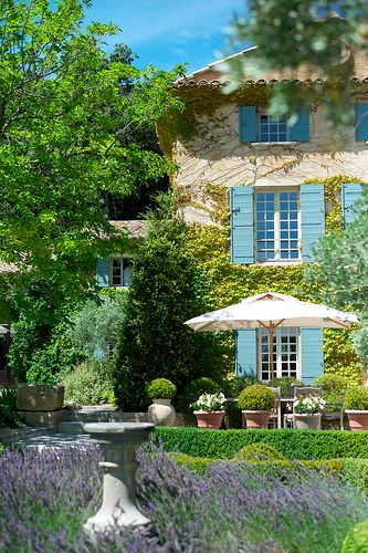 Elegant garden setting: Aix En Provence, Decor Rooms, Dreams Houses, Country Houses, Blue Shutters, Colors, Gardens, Dreamhous, Provence France