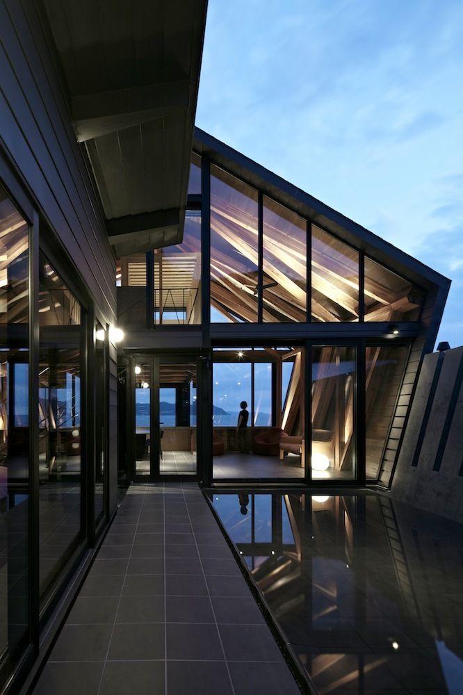 Villa SSK / Takeshi Hirobe Architects