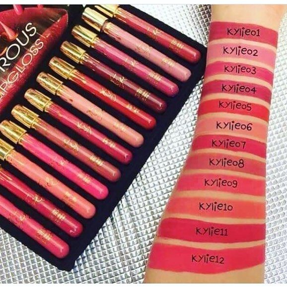 #kylie #mattelipstick  for price and order message me✔�� cash on delivary �� . . #lipstick #palettes #lip #concealer #foundation #eyeliner #eyes #lash #lashes #eyebrows #likes #instalike  #tagsforlikes # #fashion #gloss #mascara  #primers #base #dgbeauty #glitter #golden http://ameritrustshield.com/ipost/1550144328830030662/?code=BWDOA3WgBNG
