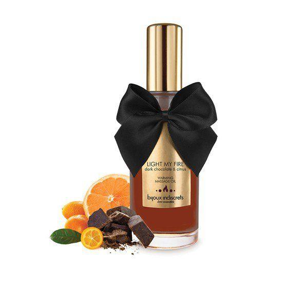 """LIGHT MY FIRE - Dark Chocolate Warming Oil - Olejki i świece do masażu  Dark Chocolate Warming Oil z seriii """"Light My Fire"""" od Bijoux Indiscrets to wysokiej jakości intymny żel z efektem rozgrzewającym o zniewalającym smaku i zapachu ciemnej czekolady.     Bijoux Cosmétiques zostały stworzone byś czuł/a się wspaniale. Dlatego właśnie dokładamy tyle uwagi w dobór naturalnych składników i aromatów, które pomagają zachować równowagę Twojej skóry.  Dostępne na www.tabu24.pl"""