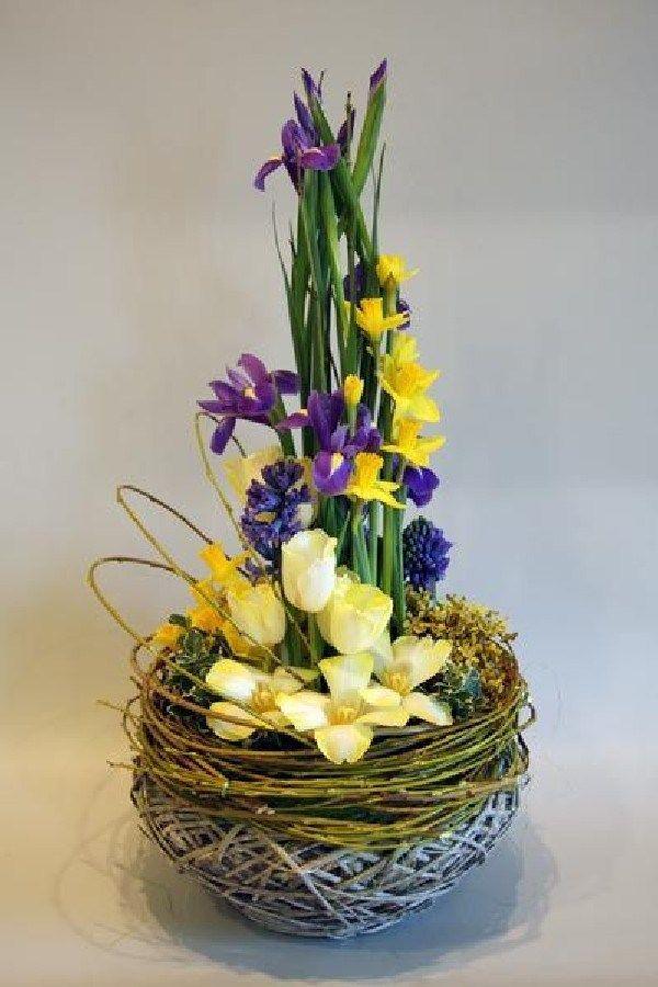 Stunning Easter Flower Arrangement Ideas (18)