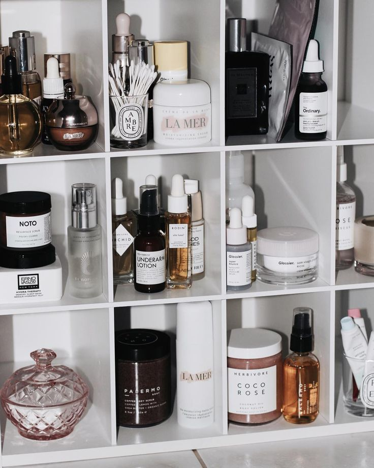 These beauty storage ideas will reduce your stress on rushed mornings photo vi. - - These beauty storage ideas will reduce your stress on rushed mornings photo via Beauty Care, Beauty Skin, Beauty Makeup, Makeup Blog, Huda Beauty, Makeup Tips, Loción Facial, Looks Instagram, Care Organization