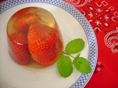 Morango com Champagne Jelly