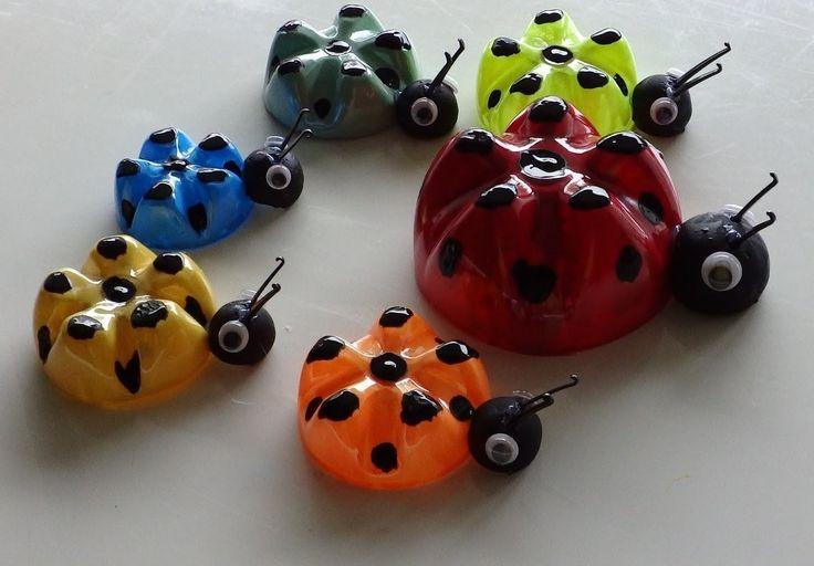DIY Plastic Bottle Piggy Bank *** You can get additional details at stickybuffalo.com?hi=040716070407