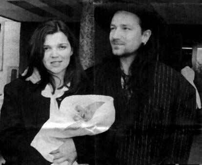 Bono and Ali Hewson with their son #u2newsactualite #u2newsactualitepinterest #u2 #bono #paulhewson #music #rock #alisonhewson #alihewson