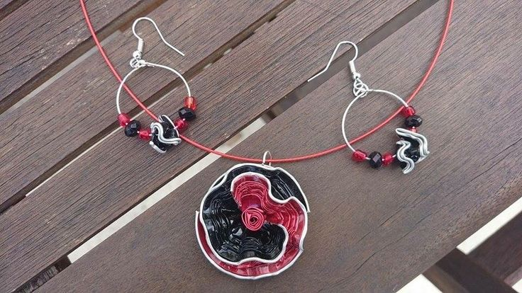 bijoux parure collier boucles d'oreilles capsule café nespresso recyclé rouge : Parure par cococreative