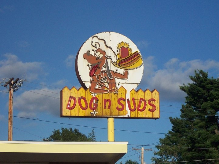 Robinson, Illinois Dog n Suds Sign!~  Haha. this is about as exciting as it gets in this town................keep driving...............