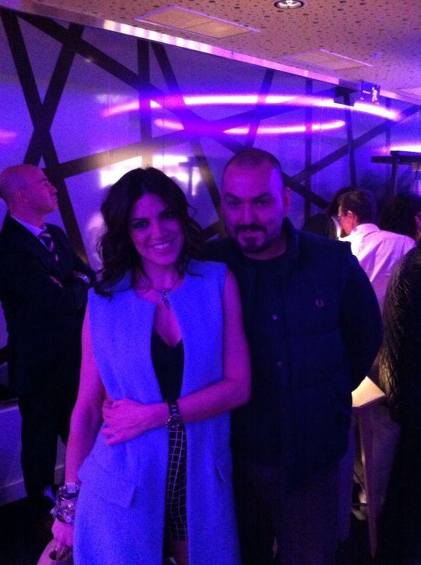 Jimena Mazucco junto al diseñador Juan Duyos en la inauguración del Hotel Innside Suecia en Madrid.