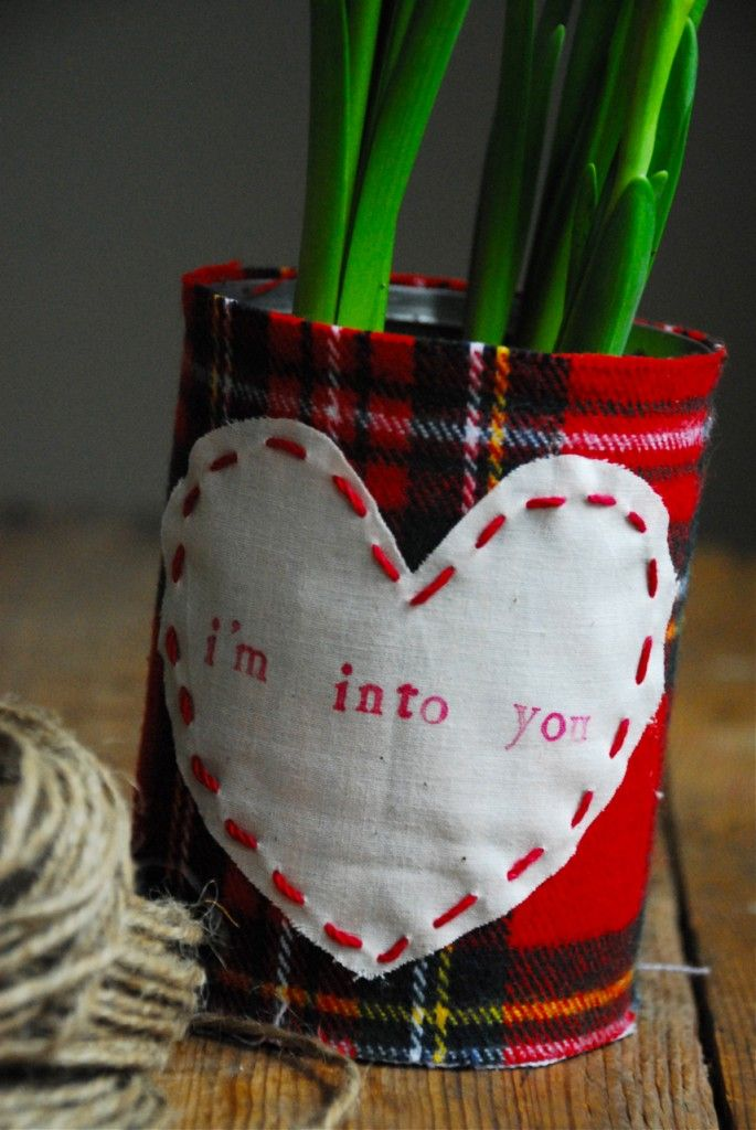 fabric can planter: Families Chic, Teacher Gifts, Gifts Ideas, Valentines Day Ideas, Valentine'S S, Fabrics, Planters, Tins Cans, Soups Cans