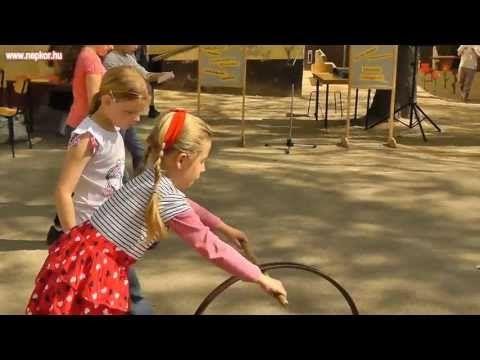 Népi játékok fesztiválja - YouTube