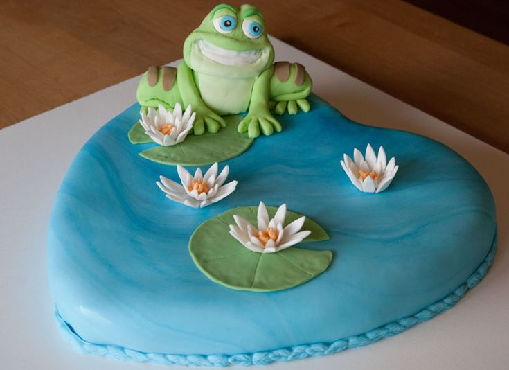 Prince Naveen frog cake / Princess and the frog cake