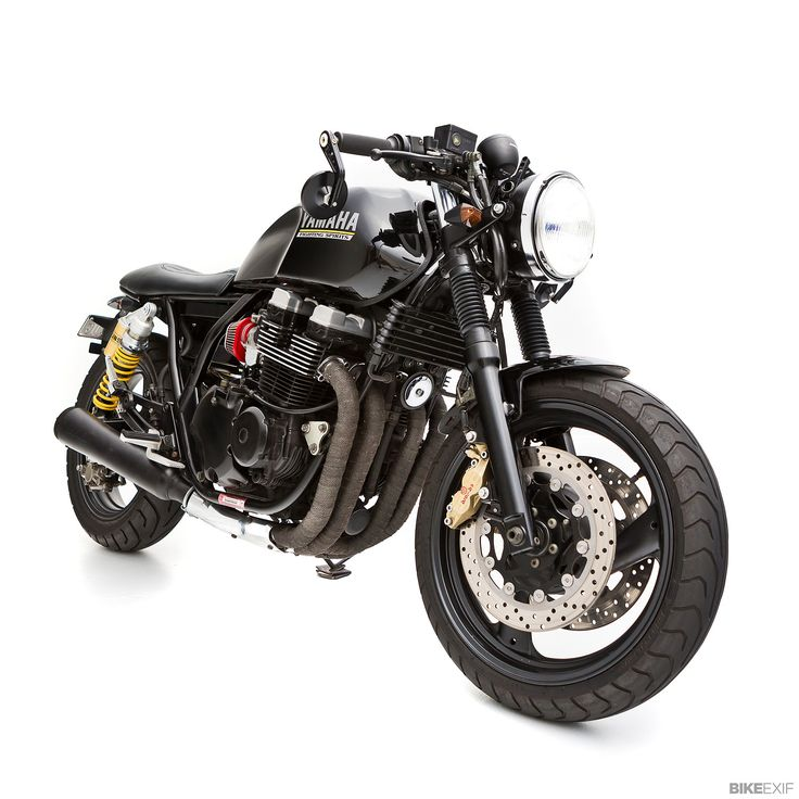 Ever seen a custom Yamaha XJR400 before? Neither had we. This little beauty is from Ellaspede of Brisbane, Australia.