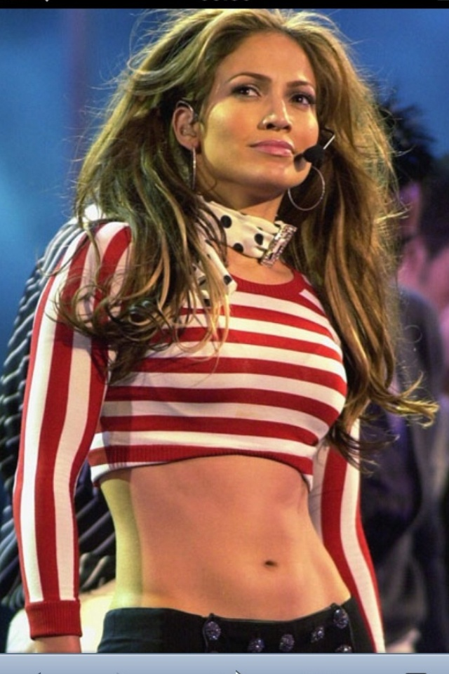 Jennifer Lopez shows off her abs and her strong biceps! | J L O ...