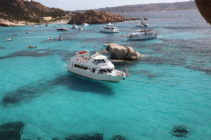 Www.lineadelleisole.com Escursioni nell'arcipelago di La Maddalena con Navetta Sea Star Excursions in the archipelago of La Maddalena with Navetta Sea Star