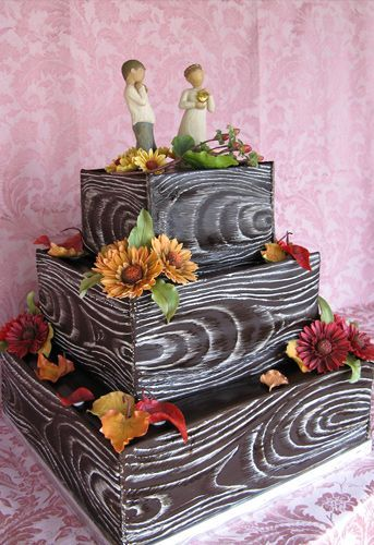 Wedding cake- rustic wood!    Cool