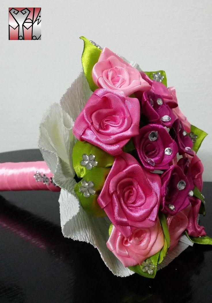 Díszített rózsaszín csokor