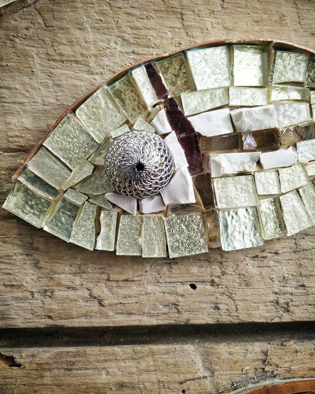 Sogni.. Oro bianco invertito, rame, biancone #nonsolopesci #rossellacasadio #homify #mosaico #quadri #paint #galleria #gallery #oroinvertito #rame #copper #smaltiveneziani #design #arte #artista #artistas #art #artistaitaliano #homedesign #Cesenatico #modernart #contemporaryart #creativity #beautifuldecor #whitegold #мозаика  #vscocam #beautifulpainting #madeinitaly #luxury