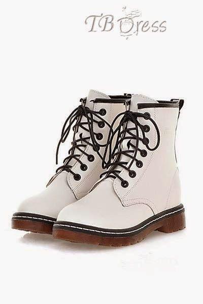 Ciao a tutti,in questi giorni sono alle prese con la scelta di un nuovo paio di scarpe, ma la scelta è davvero difficile in quanto le giornate sono ancora miti e piacevoli, anche se temporali e cambiamenti climatici sono sempre in agguato.Ho salutato infradito e ciabattine estive e ho dato il benven