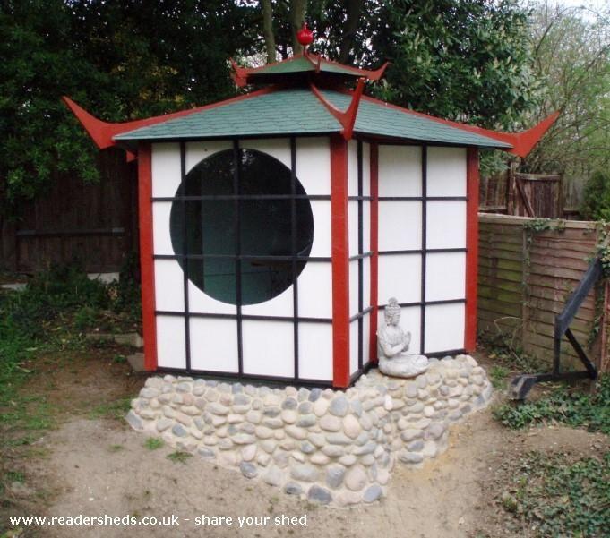 Shedoga, Unique from Surburban Garden #shedoftheyear Readersheds.co.uk