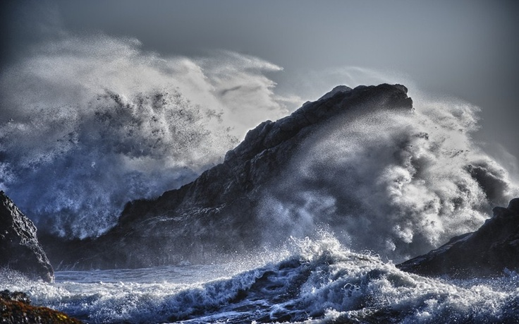 The power of the seas...    Photo by Leif Smith