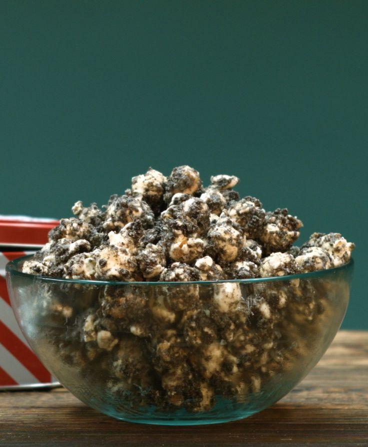 Oreo-Popcorn mit weißer Schokolade