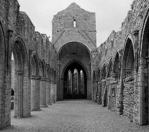 https://flic.kr/p/M2H9 | Ireland Cistercian Abbey 4 bw | Pentax PZ-1 28-80 3.5-4.5 SMC Pentax FA
