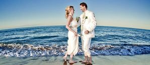 This wedding abroad checklist video shows you a detailed plan for a destination wedding in Spain, with info tips and a link to a free online budget calculator