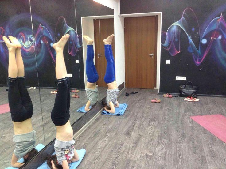 Детская йога -  адаптированная практика для детей, эта практика максимально бережно относится к растущему организму!