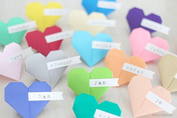 Nom coloré 20 cartons Origami papier coeurs défini, fête d'anniversaire, réception de répétition de mariage faveurs regroupement familial des noms personnalisés Option
