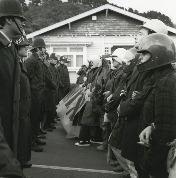 Ans Westra : Newtown, Wellington 1981. Anti-Springbok demonstration
