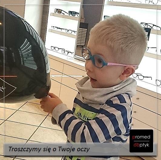 Zobaczyć wyraźnie swoje odbicie w balonie 🎈 :))) Na zdjęciu Wojtuś w swoich nowych okularach. Pozdrawiamy Wojtusia. #optyk #optometrysta #okulista #okulary #oczy #wzrok