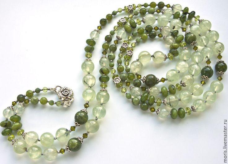 """Купить Сотуар из зелёных камней """"Налани"""" нефрит перидот пренит серебро - очень длинные бусы"""