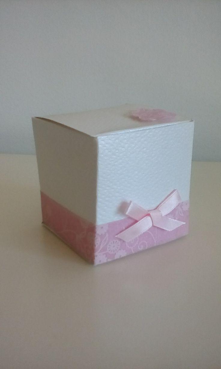 Caixa de Doces Material utilizado – Cartolina.