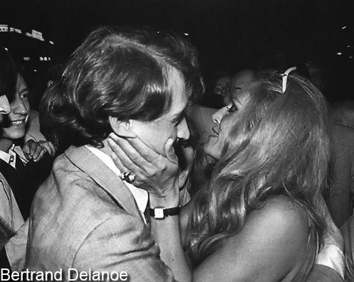 """Bertrand Delanoë et Dalida appliquent """"le jour de caresse"""""""