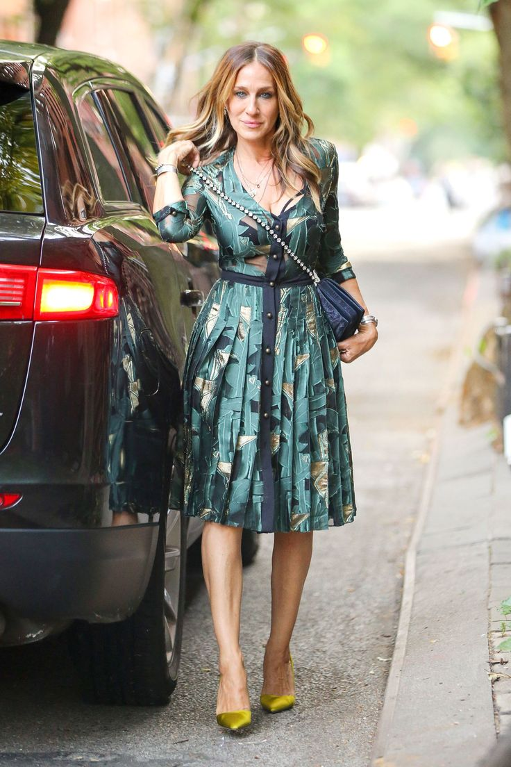 Sarah Jessica Parker Stops to Instagram Her Shoes, Just Like You
