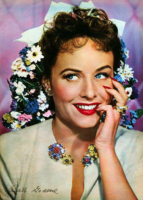 Paulette Goddard, November 1942 Photoplay magazine
