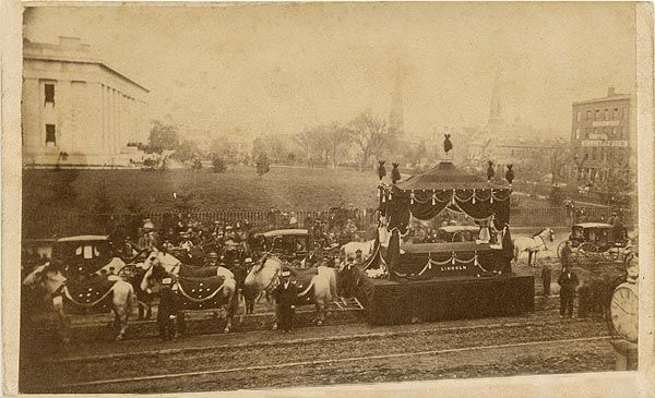 Historic photo of Abraham Lincoln's actual funeral procession [The Abraham…