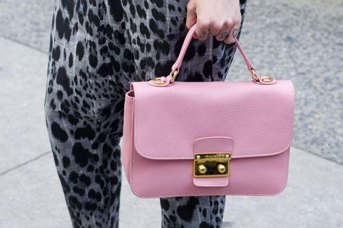 Thea Nicki's bag