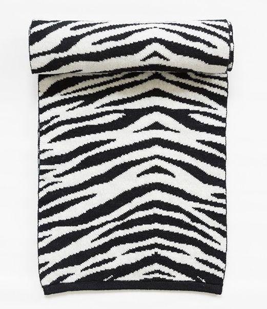 Zebra wool scarf.  http://shop.yalo.fi/product/1937/zebra-woolen-scarf--blackwhite