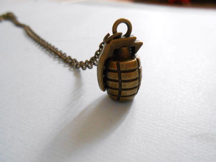 collier bombe - collier grenade - collier armée/ army - collier militaire : Collier par esthete-bijoux
