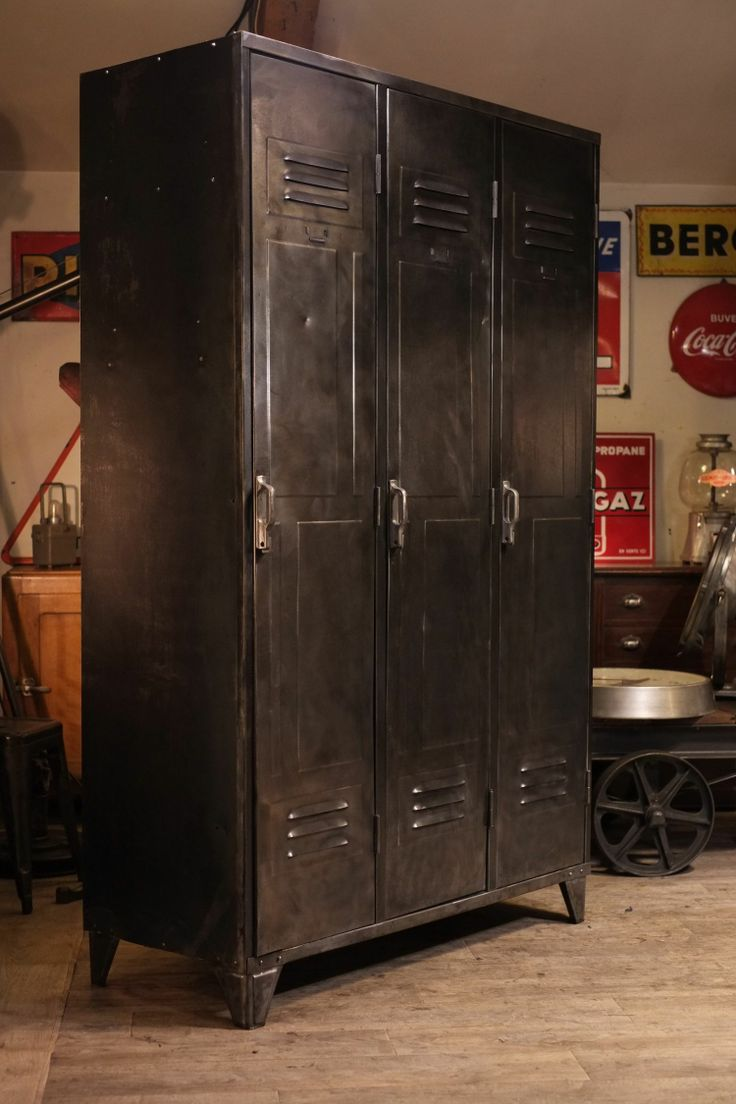 127 best images about lockers on pinterest industrial storage vintage industrial and loft. Black Bedroom Furniture Sets. Home Design Ideas