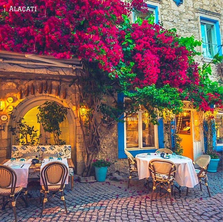 #阿拉恰特 一個在夏日充滿熱情氣氛的愛琴海小鎮。 ©ilkinkaracan