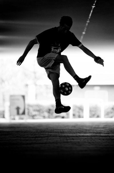 http://the-soccer-drills.com/how-to-learn-freestyle-soccer/