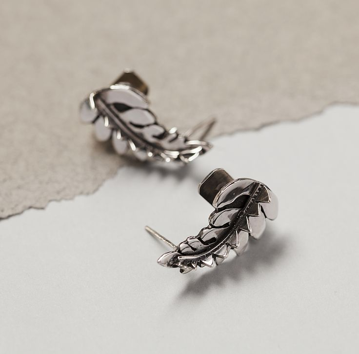 Set of medium sized silver ear cuffs by SOTINE.  Material:92.5% silver  Designed in:The Netherlands  Crafted in:The Netherlands