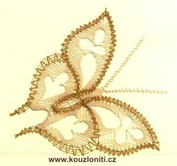2 - motýl v barvách béžové a zlaté