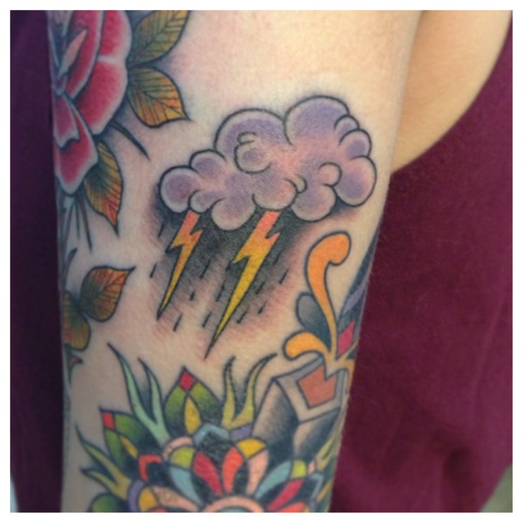 tattoo old school / traditional ink - storm cloud